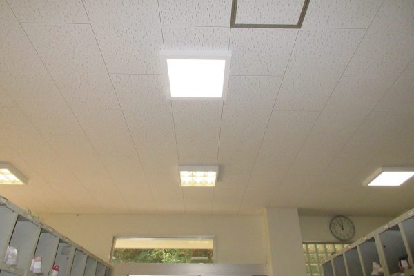 北部中学校北教室棟照明器具取替 工事